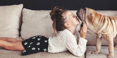 ¿El perro viviría con niños?